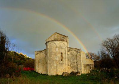 2° classificata ad ANGLONA PHOTOCONTEST- San Nicola di Silanis di Sedini sotto un doppio arcobaleno © Stefano Ligas